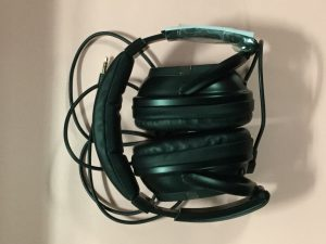 an image of noise-cancelling headphones